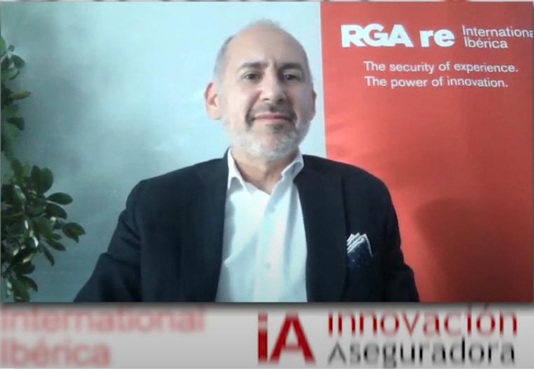 """El director general de RGA re International Ibérica, Enrique Ruiz, apuntó en el acto que """"para RGA re es importante participar en las iniciativas de la industria que tienen como objetivo impulsar la innovación"""", en este caso porque """"los premios suponen un reconocimiento a los esfuerzos que hacen las entidades por mejorar su presencia en Internet""""."""
